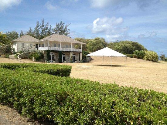 The Cotton House: Beach outside Basil's restaurant
