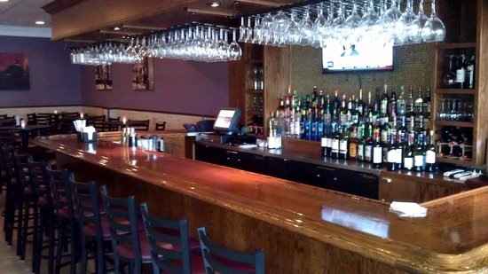 Courtney's Continental Cuisine: Courtney's Bar.