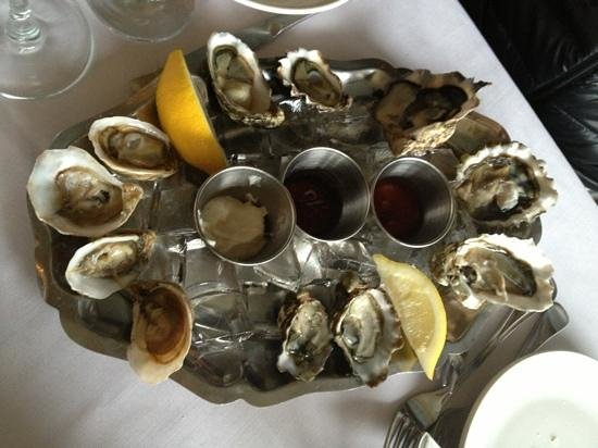 Steveston Seafood House: $1 each oysters