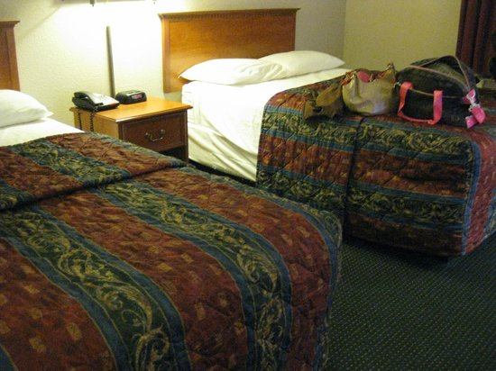 Best Express Inn & Suites: queen beds