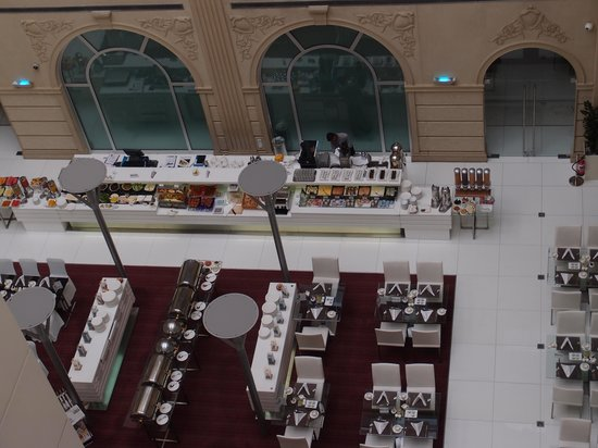 Villa Rotana - Dubai: 朝食準備中