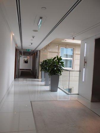 Villa Rotana - Dubai: 廊下