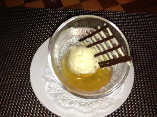 Restaurant de l'Hotel de la Poste: sorbet foin arrosé de vieille prune