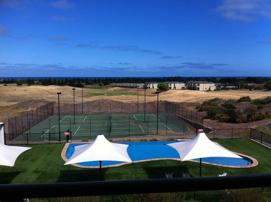 our view of the golf course picture of links lady bay. Black Bedroom Furniture Sets. Home Design Ideas