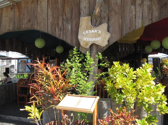 Cesar's Restaurant: кафе