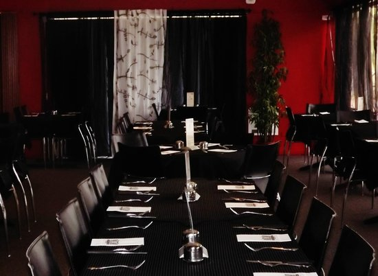 Aussie Beef Steakhouse: The dining area