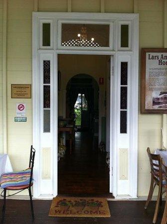 Nash Gallery & Cafe: Nash Cafe Front door