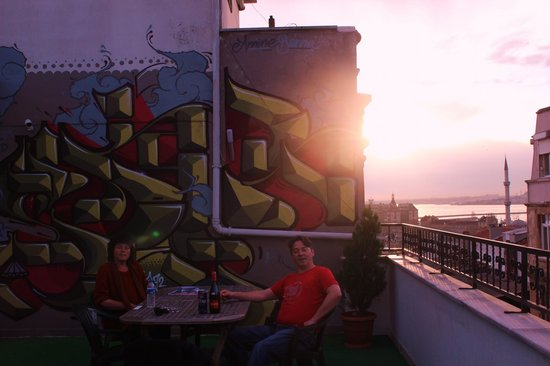 Hush Hostel Lounge: Rooftop terrace at Hush.