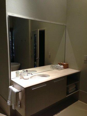 Pullman Bunker Bay Resort Margaret River Region: Amazing bathroom.