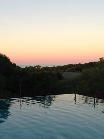 Pullman Bunker Bay Resort Margaret River Region: Pool overlooking the beack.