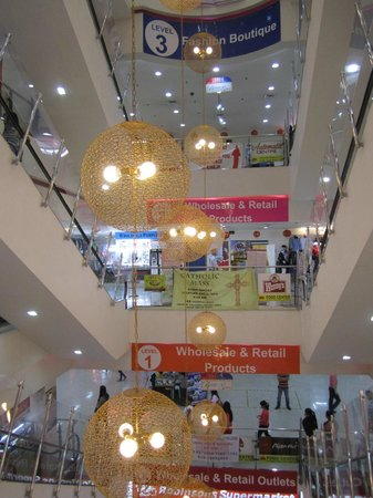 168 Shopping Mall: Some of the mall is really nice, some of it isn't