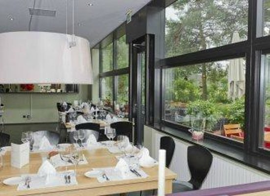 Restaurant L'AQ: Modernes Interieur muss nicht ungemütlich sein