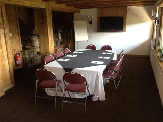 Hôtel Les Roches & Spa: salle séminaire vue Mt Blanc