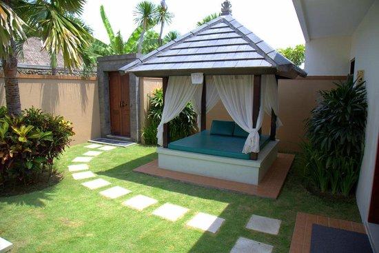 Bali Yubi Villa: Yard