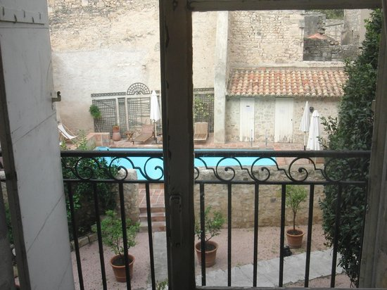 Hotel d'Arlatan: View from room