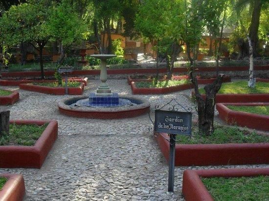 Museo Exhacienda San Gabriel de Barrera : uno de los muchos jardines