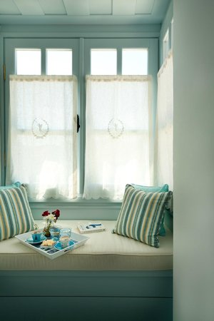 Alura Boutique Hotel: Bay window of the Delux room