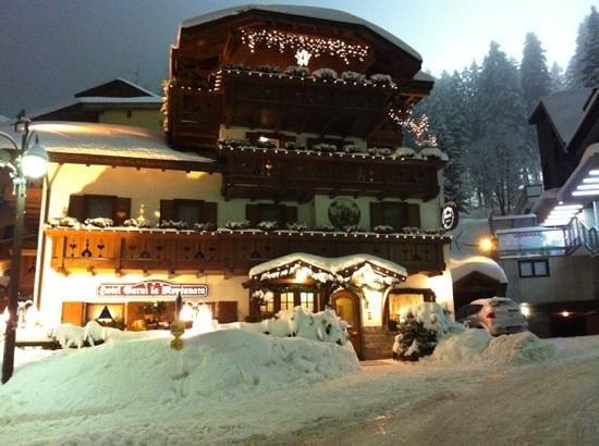 Hotel Garni La Montanara: neve...