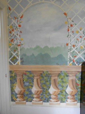 Joanna's B & B: Dining room detail