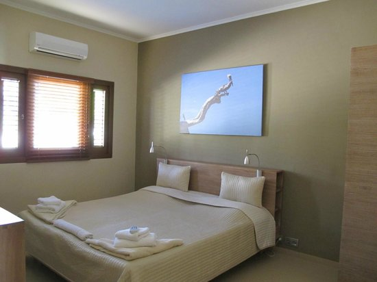 La Maya Beach Luxury Apartments: One of the bedrooms in 8E