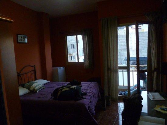 Hostal Tamonante: The room