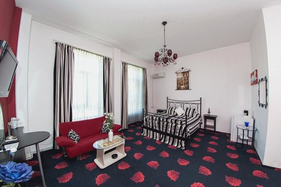 Hotel Royal Craiova: The Red Suite