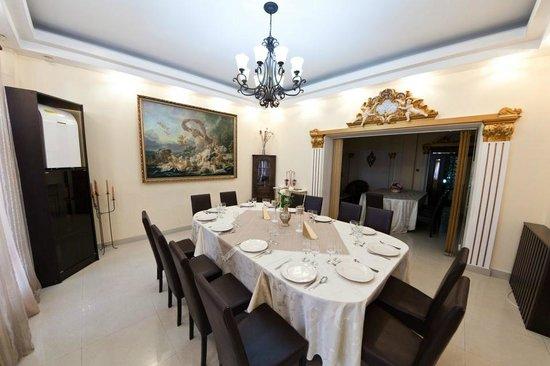 Hotel Royal Craiova: Dining Booth