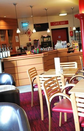 New Wolsey Theatre: Cafe Bar Seating