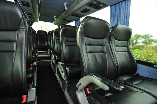 Interno bus 20 posti picture of nolautoalghero alghero for Interno autobus