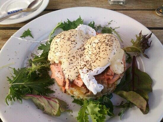 New Orleans Hotel: salmon Benedict.