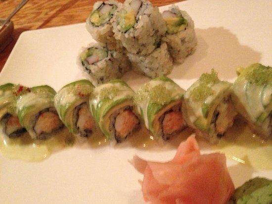 Tako Japanese Restaurant : Wasabi roll n California roll