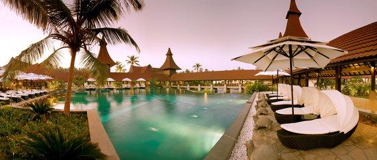 The Lalit Resort & Spa Bekal: Swimming Pool