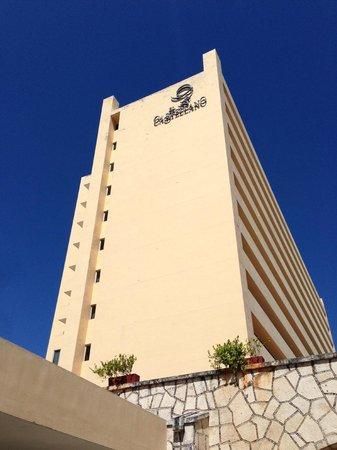 Gamma de Fiesta Inn Merida El Castellano: das Hotel El Castellano von aussen