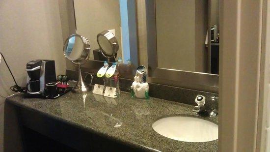 BEST WESTERN PLUS Boulder Inn : Bathroom