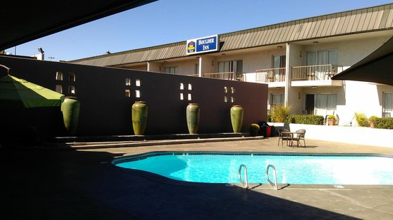 Best Western Plus Boulder Inn: Pool area