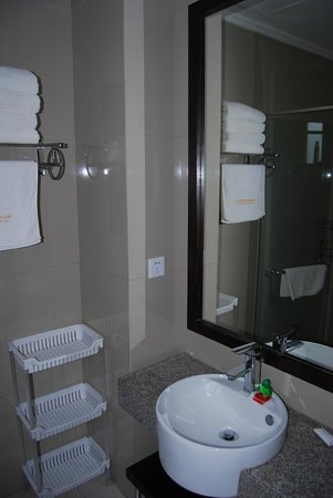 Kuta Town House Apartments: bathroom #127