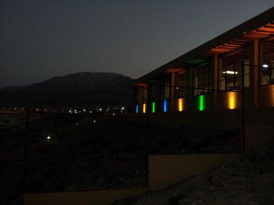 Wadi Shab Resort : Wadi Shams @twilight.