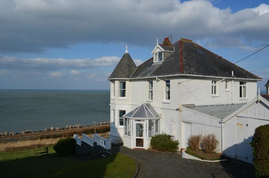 Morwendon Guest House: Seaview