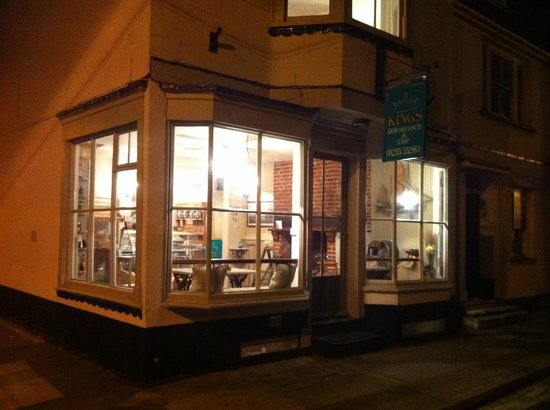 Kings Delicatessen & Cafe: getlstd_property_photo