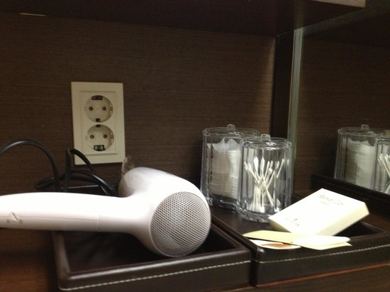 The Suites Hotel Jeju: Hair dryer and cotton buds