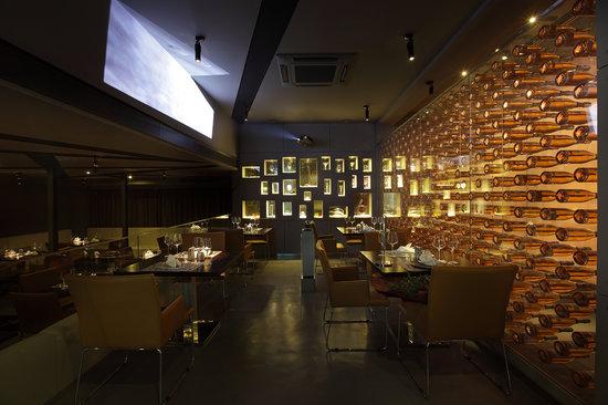 La Marina Restaurant & Lounge