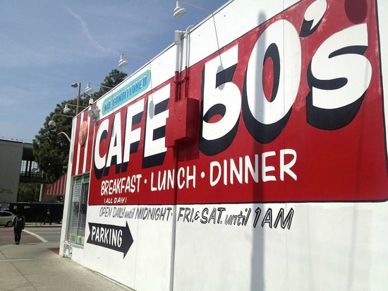 Cafe 50's: Outside