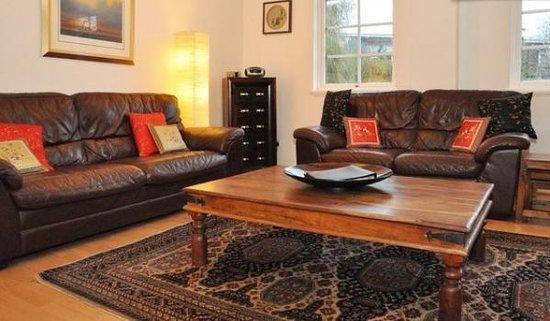 Edinburgh at Home: Apartment 1 sitting room