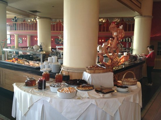 Golden Tulip Vivaldi Hotel: Breakfast in Antonio Restaurant