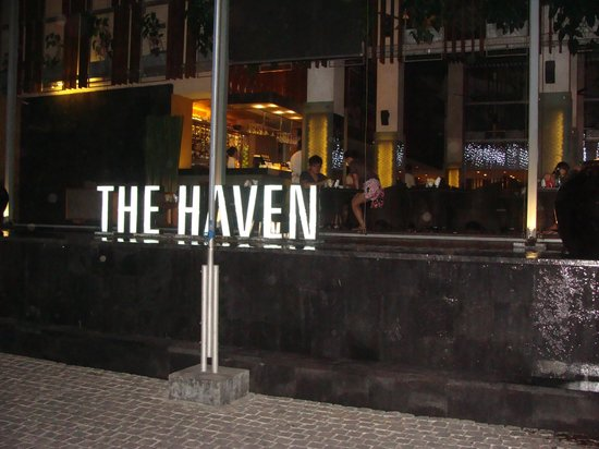 The Haven Seminyak Hotel & Suites: Entrance