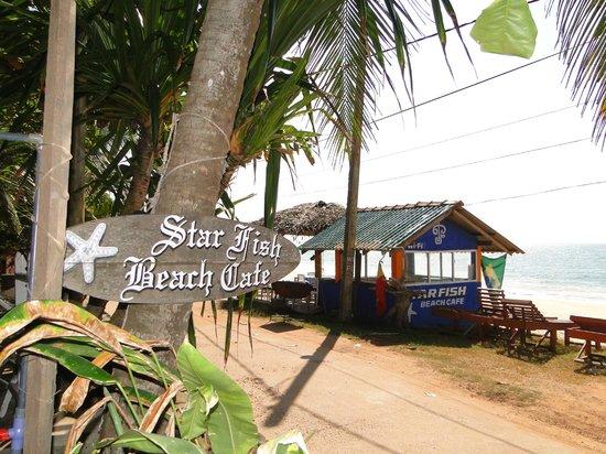 Star Fish Beach Home: the small beach cafe overlooking the beach