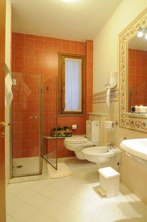 Hotel Alexandra: Bagno