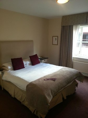 Woughton House - MGallery by Sofitel (was Mercure Parkside House): Room 33 Bedroom photo 1