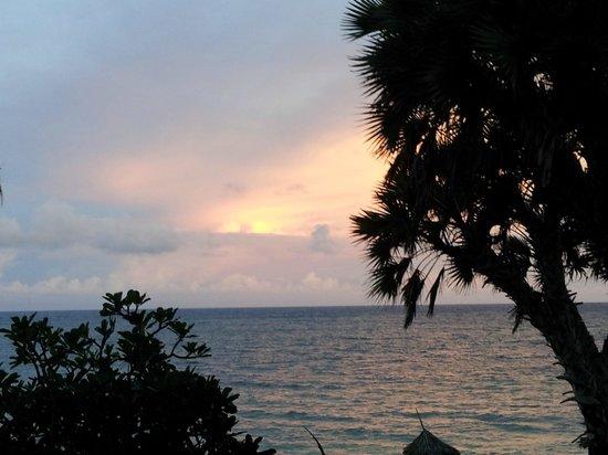 Southern Palms Beach Resort : Abends auf meinem Zimmerbalkon