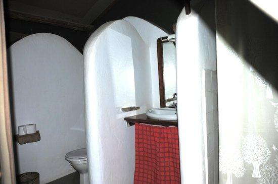 Kirurumu Manyara Lodge: bathroom area